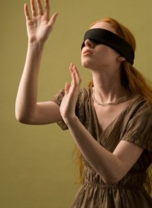 Valentine Games : Blindfold hug Love game for the Valentine's Day Party