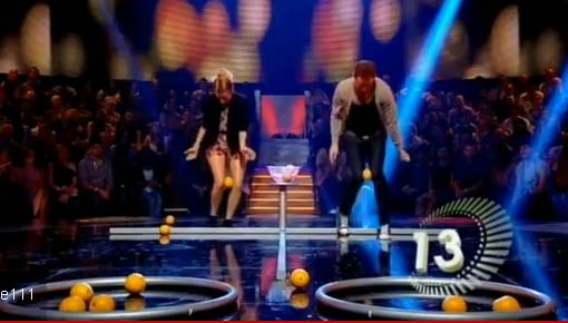 Adult Party Game – Orange Between Knees