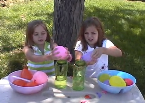 Holi Party Games – Empty The Balloons