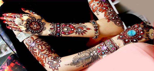 20 Latest Arabic Mehndi Designs For This Karva Chauth