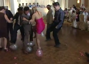 Valentine Games : Dance With Balloons