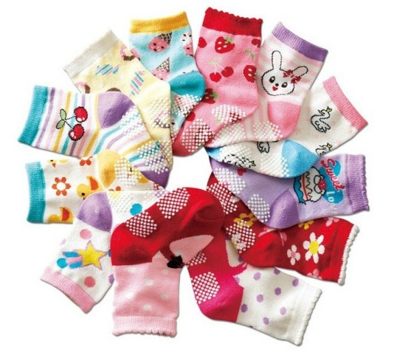 Match The Baby Socks : Baby Shower Game Ideas for Large Groups
