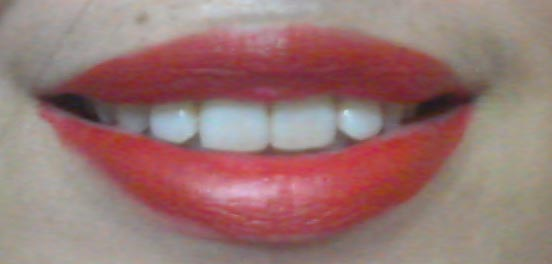 maybellne ultimate red