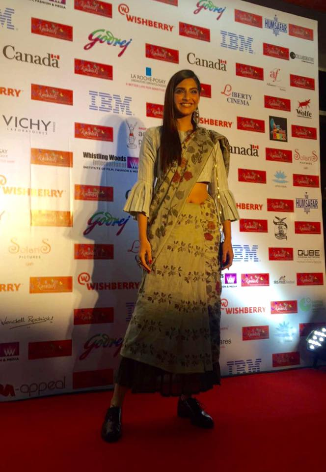 Sonam Kapoor in her Worst Dress