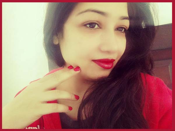 Gorgeous Long Stay Red Lipstick From Maybelline Rebel Bouquet: Reb01
