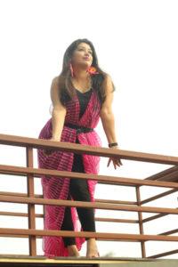 wear sari as dress