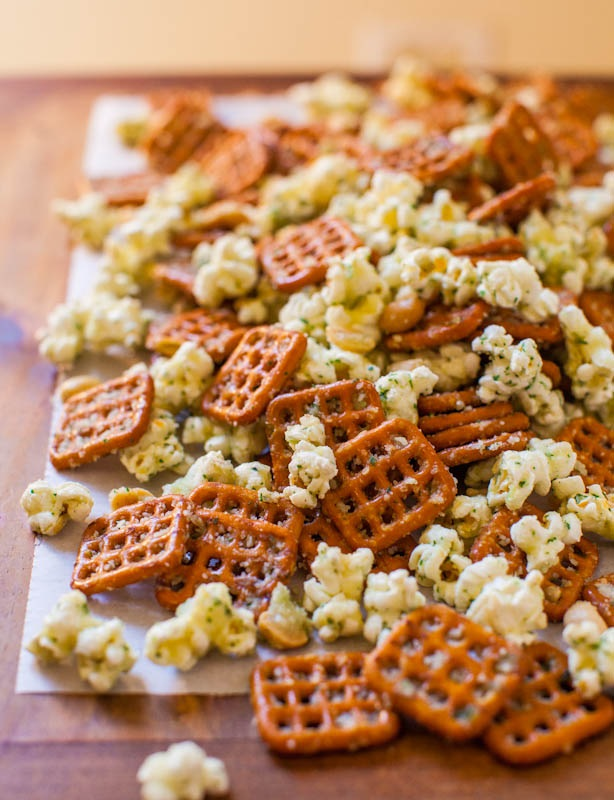 A handy guide of best quick and easy snacks for everyone, kids and adults